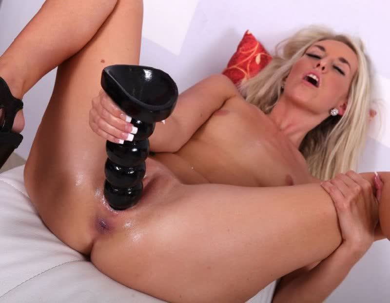 Big breasted Vivian Azure riding the hard cock reverse cowgirl